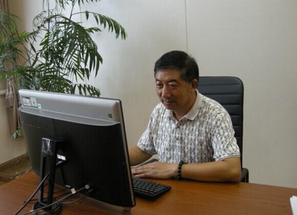 常务理事施桂松(青阳县恒发建材有限公司董事长)