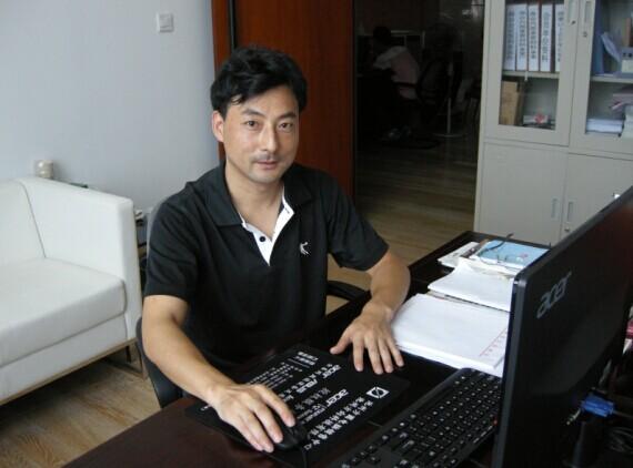 理事朱富宝(千赢官方网站嘉宝包装制品有限公司总经理)