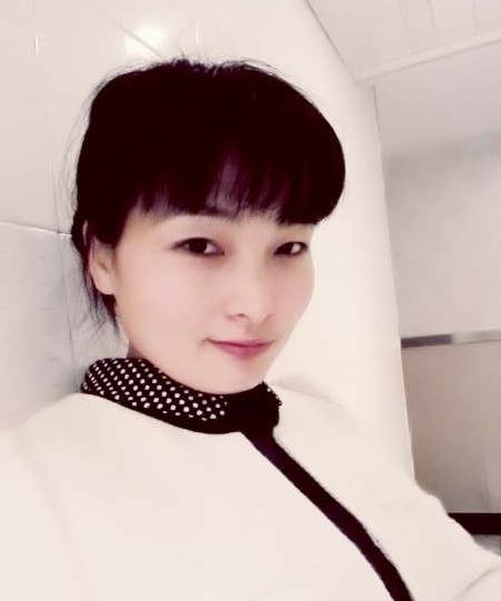 理事仇春兰(贵池区惠惠8号鱼馆饭店总经理)